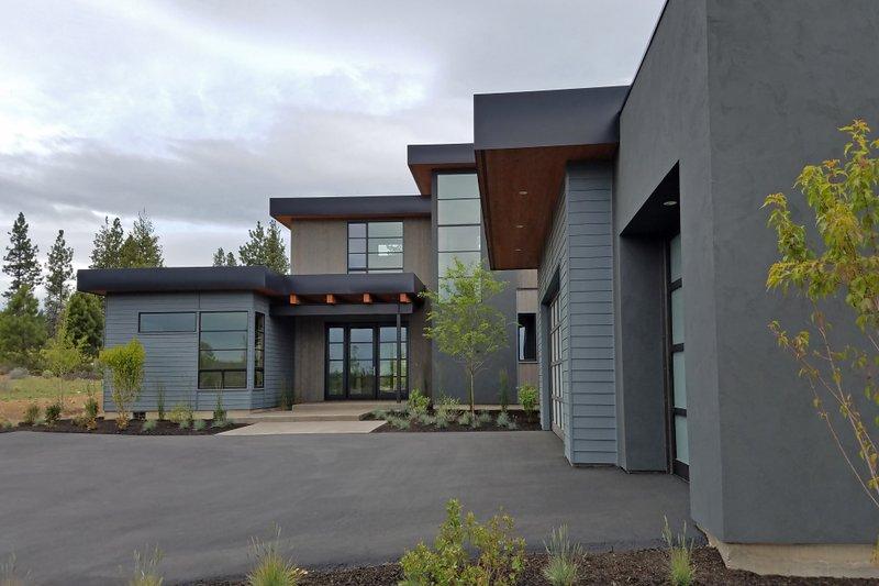 Modern Exterior - Front Elevation Plan #892-17 - Houseplans.com
