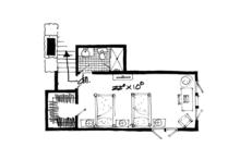 Craftsman Floor Plan - Upper Floor Plan Plan #942-17