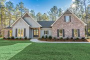 Traditional Style House Plan - 4 Beds 2 Baths 2095 Sq/Ft Plan #430-228 Exterior - Front Elevation