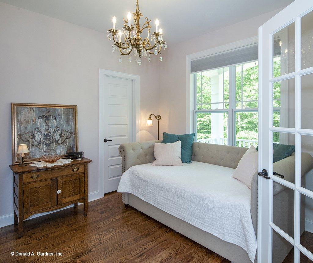 Farmhouse Style House Plan 3 Beds 2 Baths 1645 Sq Ft