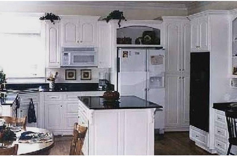 Traditional Interior - Kitchen Plan #314-275 - Houseplans.com