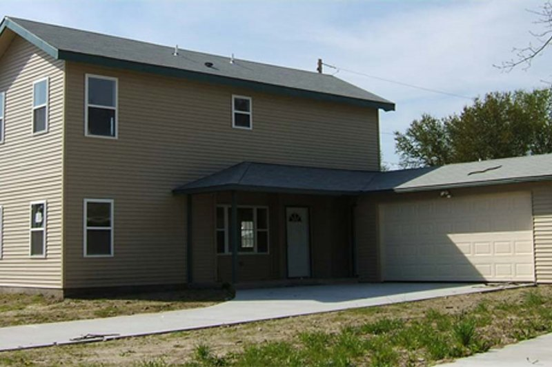 Farmhouse Style House Plan - 3 Beds 2 Baths 1366 Sq/Ft Plan #486-1