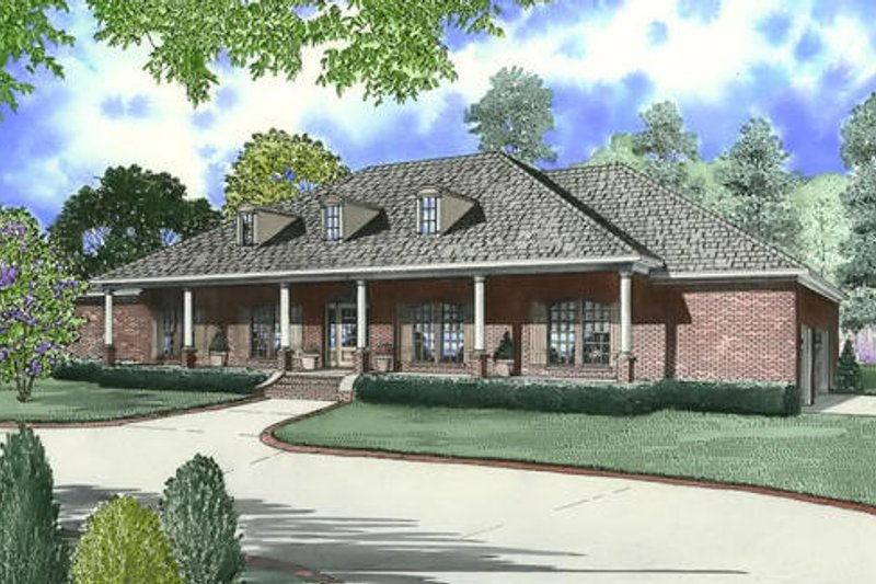 Southern Exterior - Front Elevation Plan #17-638
