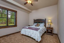 Craftsman style house design, bedroom photo