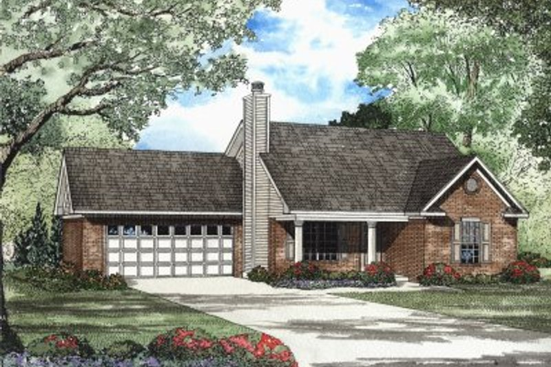 Traditional Style House Plan - 2 Beds 2 Baths 1067 Sq/Ft Plan #17-1116 Exterior - Front Elevation