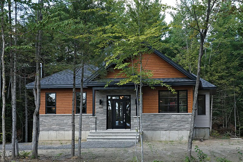 House Plan Design - Ranch Exterior - Front Elevation Plan #23-2620