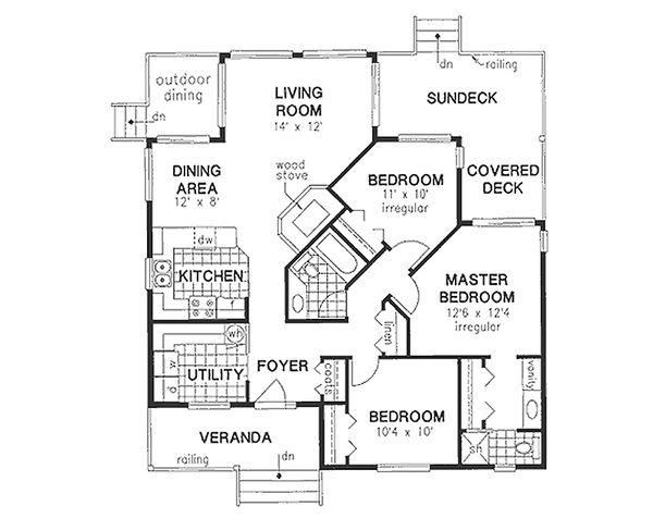 House Blueprint - Traditional Floor Plan - Main Floor Plan #18-175