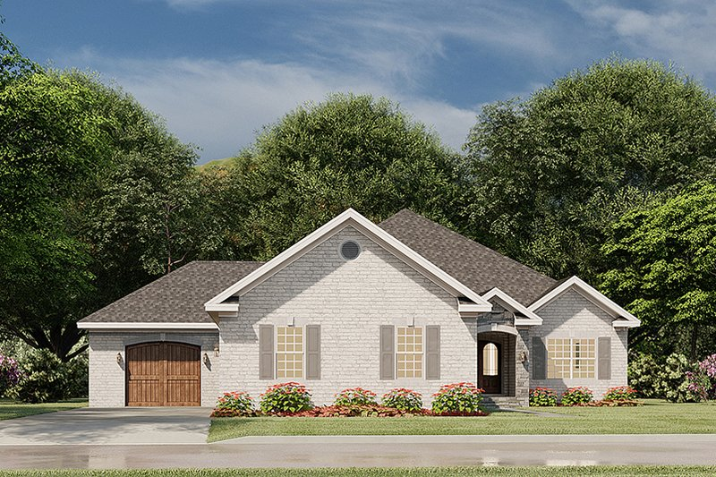 House Blueprint - Traditional Exterior - Front Elevation Plan #923-182