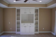 Dream House Plan - Country Interior - Family Room Plan #430-20