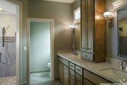 Craftsman Style House Plan - 4 Beds 3.5 Baths 3084 Sq/Ft Plan #48-615 Interior - Master Bathroom