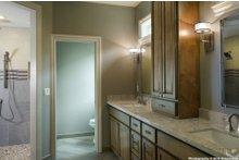 Craftsman Interior - Master Bathroom Plan #48-615