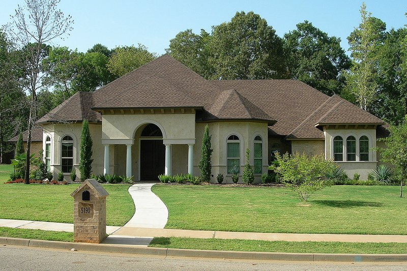 European Style House Plan - 3 Beds 2.5 Baths 2517 Sq/Ft Plan #20-129 Exterior - Front Elevation