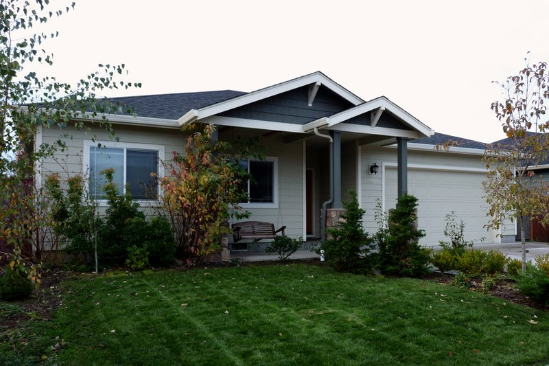 House Design - Traditional Photo Plan #124-822