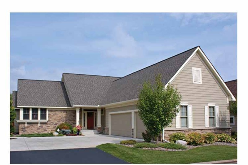 Ranch Exterior - Front Elevation Plan #51-1115