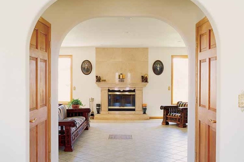 Contemporary Interior - Family Room Plan #72-872 - Houseplans.com