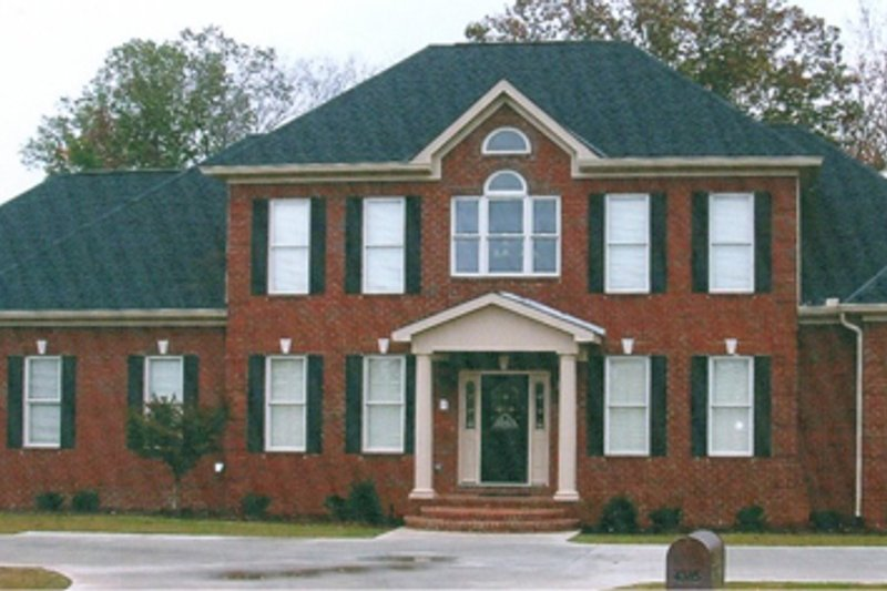 Colonial Style House Plan - 4 Beds 3.5 Baths 3438 Sq/Ft Plan #63-290 Exterior - Front Elevation