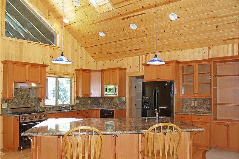 Ranch style country home kitchen