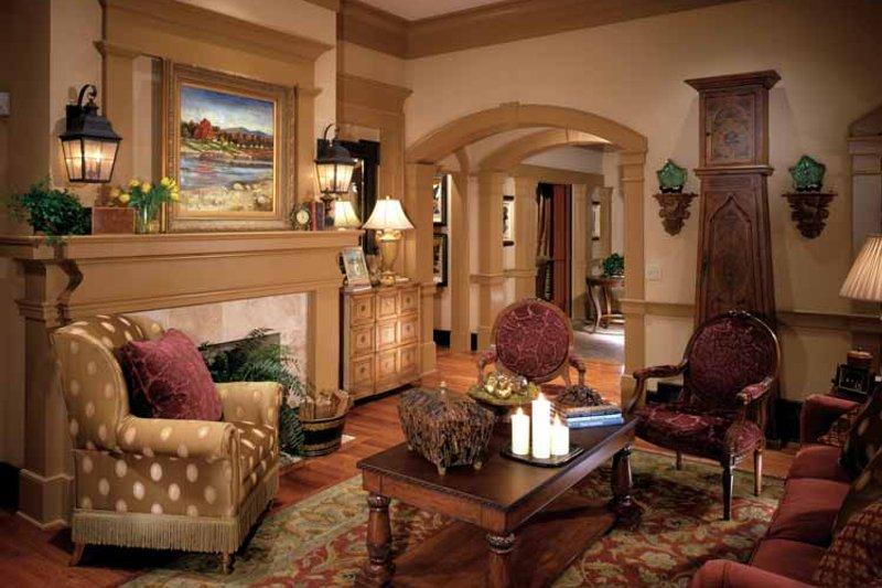Colonial Interior - Family Room Plan #429-327 - Houseplans.com