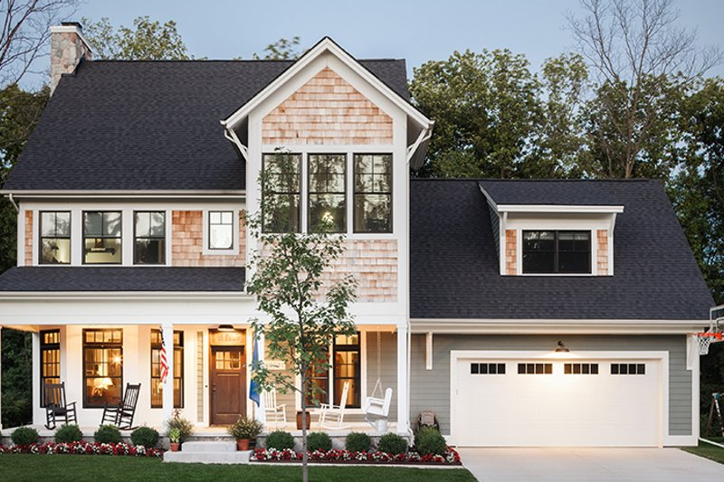 Traditional Style House Plan - 3 Beds 3.5 Baths 2895 Sq/Ft Plan #928-299 Exterior - Front Elevation