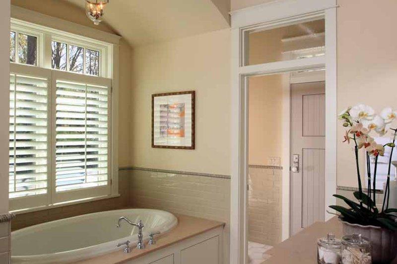 Craftsman Interior - Master Bathroom Plan #928-175 - Houseplans.com