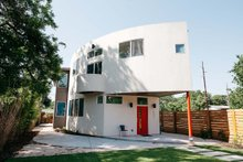Modern Exterior - Front Elevation Plan #450-6
