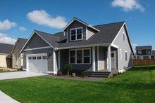 House Plan Design - Craftsman Exterior - Front Elevation Plan #1070-20