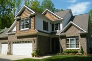 Traditional Style House Plan - 4 Beds 3 Baths 2525 Sq/Ft Plan #927-579