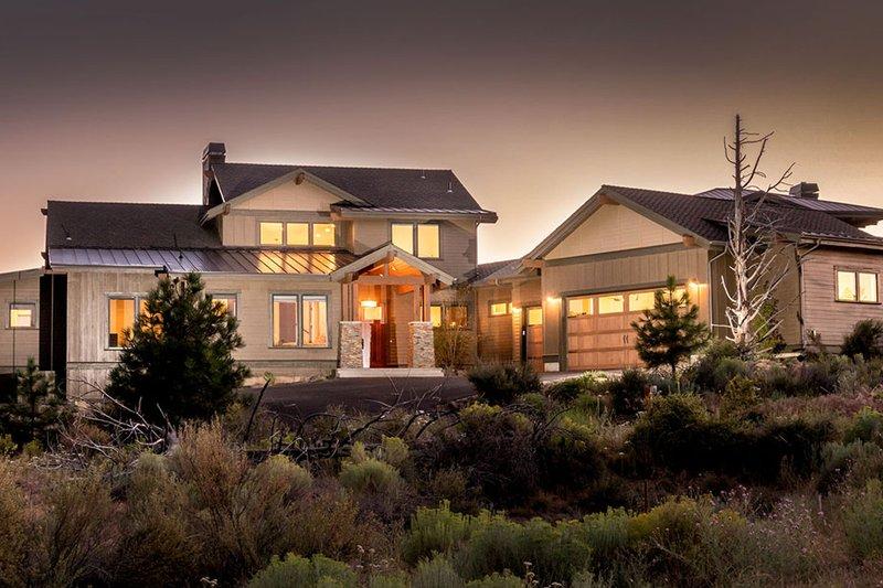 Dream House Plan - Craftsman Exterior - Front Elevation Plan #895-50