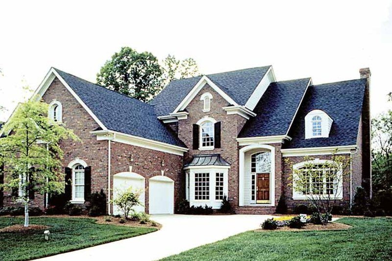 House Plan Design - Traditional Exterior - Front Elevation Plan #453-564