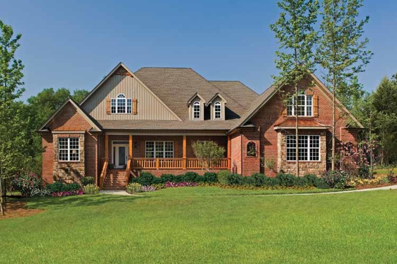Traditional Exterior - Front Elevation Plan #929-778 - Houseplans.com