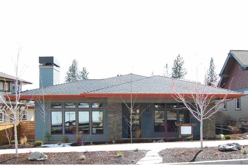 House Plan Design - Prairie Exterior - Front Elevation Plan #895-70