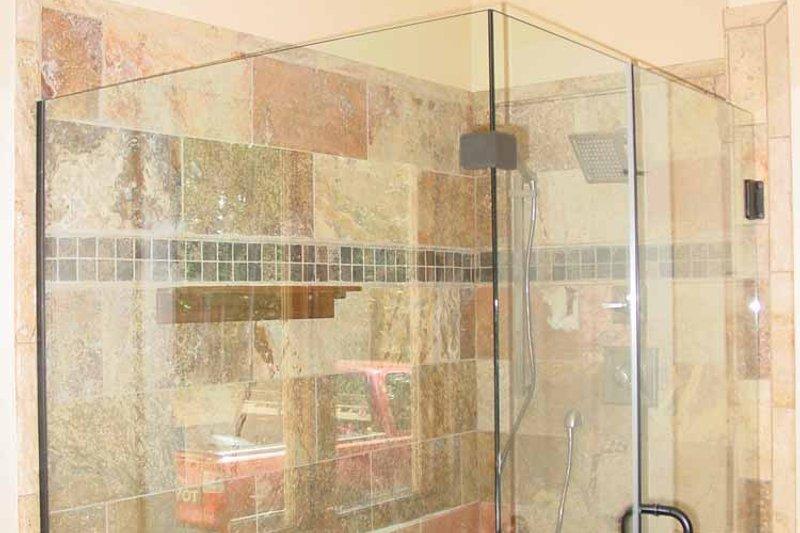 Craftsman Interior - Master Bathroom Plan #939-12 - Houseplans.com
