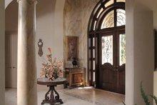 Home Plan - Mediterranean Interior - Entry Plan #930-317
