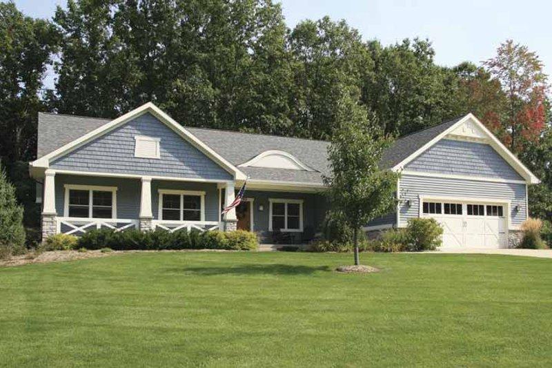 House Plan Design - Craftsman Exterior - Front Elevation Plan #928-121