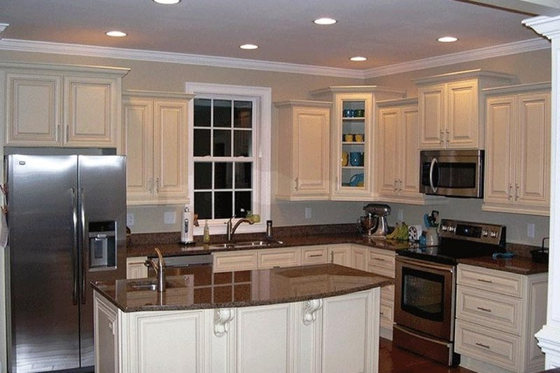 Traditional Interior - Kitchen Plan #137-367 - Houseplans.com
