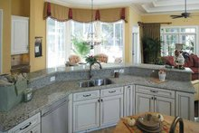 Colonial Interior - Kitchen Plan #930-220