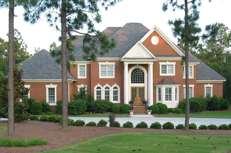 Dream House Plan - Traditional Exterior - Front Elevation Plan #1054-57