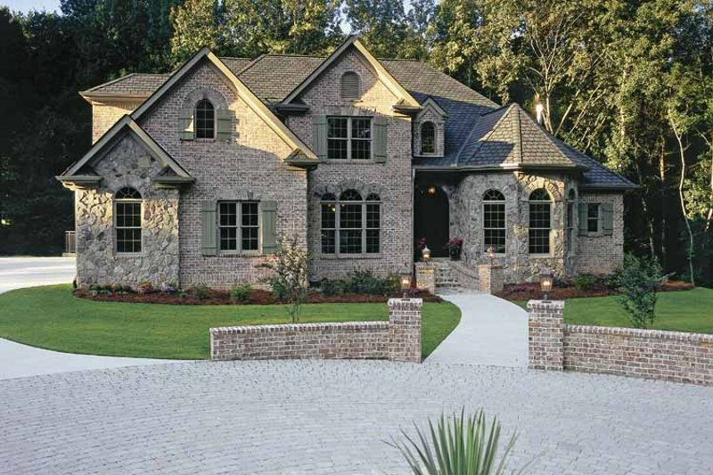 Dream House Plan - Country Exterior - Front Elevation Plan #927-502