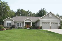 Craftsman Exterior - Front Elevation Plan #928-133