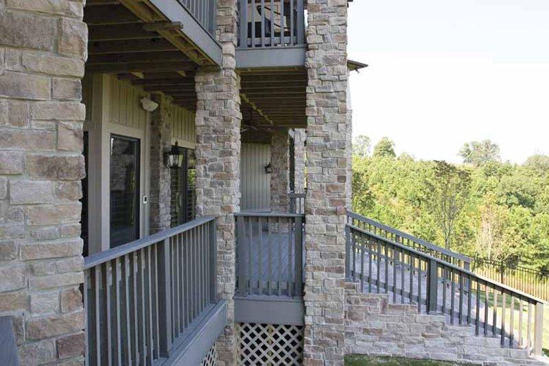 Traditional Interior - Entry Plan #17-3302 - Houseplans.com