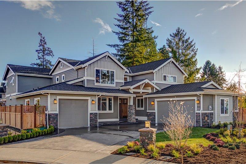 Dream House Plan - Craftsman Exterior - Front Elevation Plan #569-41