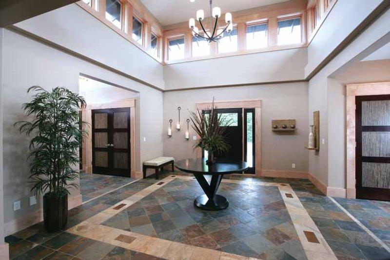 Prairie Interior - Entry Plan #928-62 - Houseplans.com