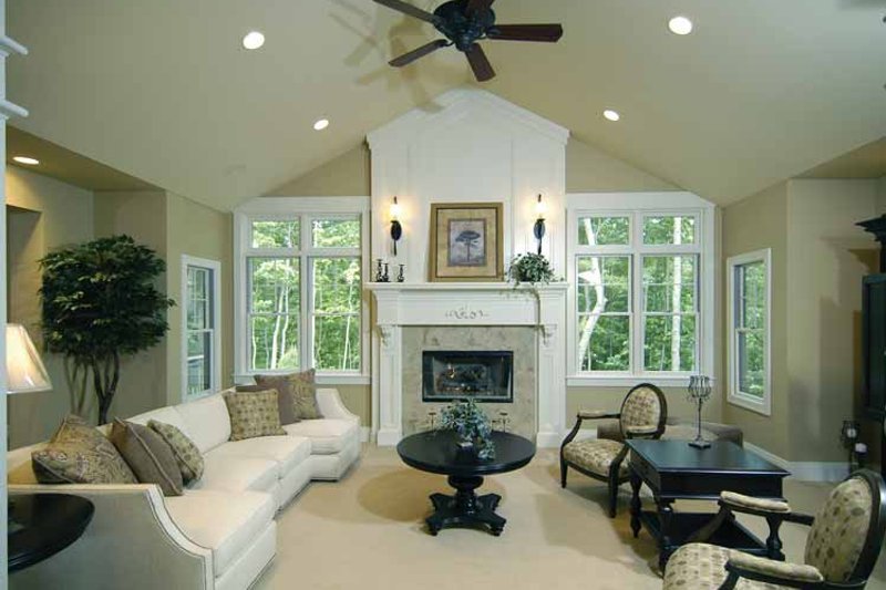 Craftsman Interior - Family Room Plan #928-91 - Houseplans.com