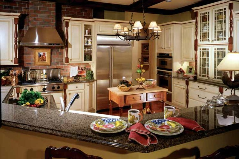 Colonial Interior - Kitchen Plan #429-327 - Houseplans.com