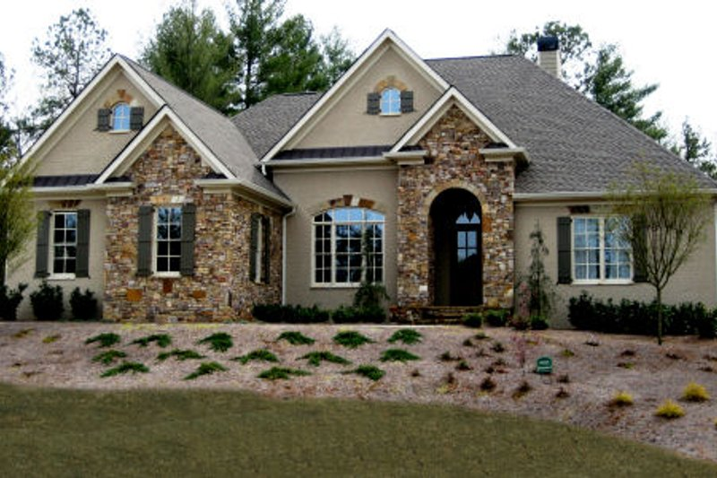 Home Plan - European Exterior - Front Elevation Plan #437-48