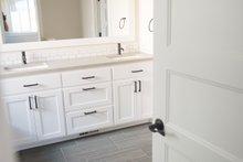 House Plan Design - Craftsman Interior - Master Bathroom Plan #1070-25