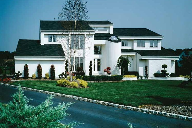 Contemporary Exterior - Front Elevation Plan #314-228 - Houseplans.com