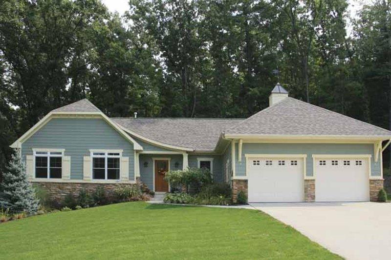 Craftsman Exterior - Front Elevation Plan #928-145 - Houseplans.com