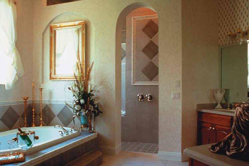 Colonial Interior - Bathroom Plan #417-666 - Houseplans.com