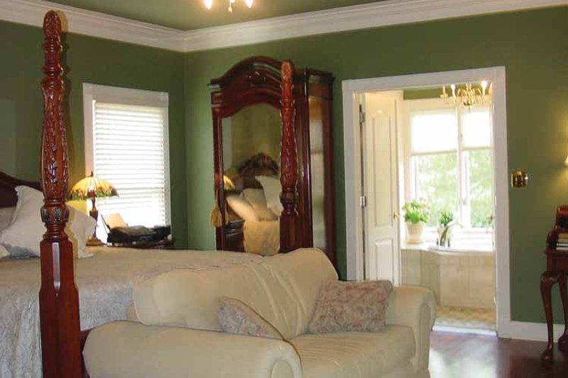 Colonial Interior - Master Bedroom Plan #44-205 - Houseplans.com